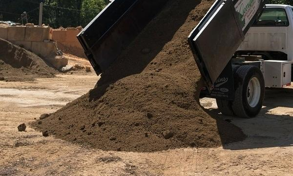 cubic yard of topsoil weigh