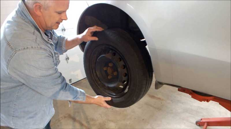 How-To-Tell-If-a-Wheel-Bearing-Is-Bad-While-Driving
