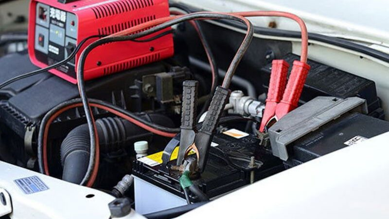 HOW TO CHARGE A TRUCK BATTERY