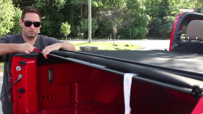 How To Remove A Tonneau Cover