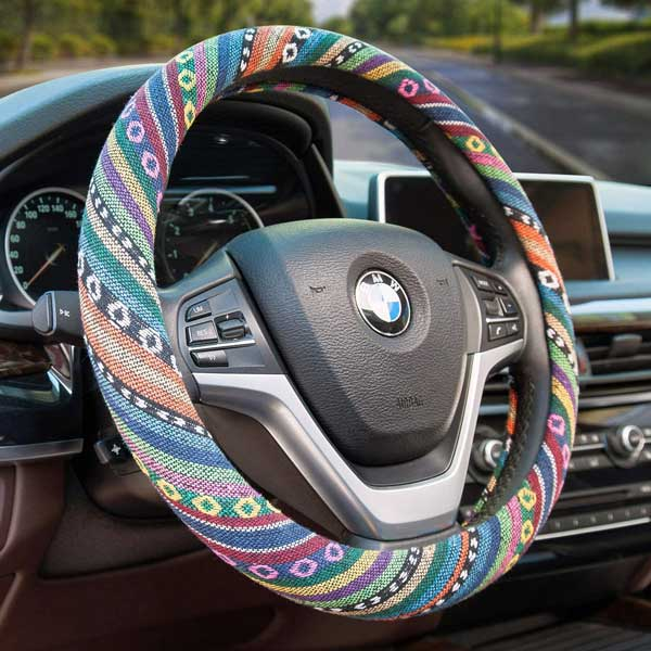 How to Put a Steering Wheel Cover